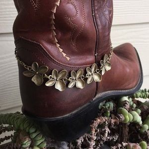 Antique Brass Flowers Boot Bling Bracelet